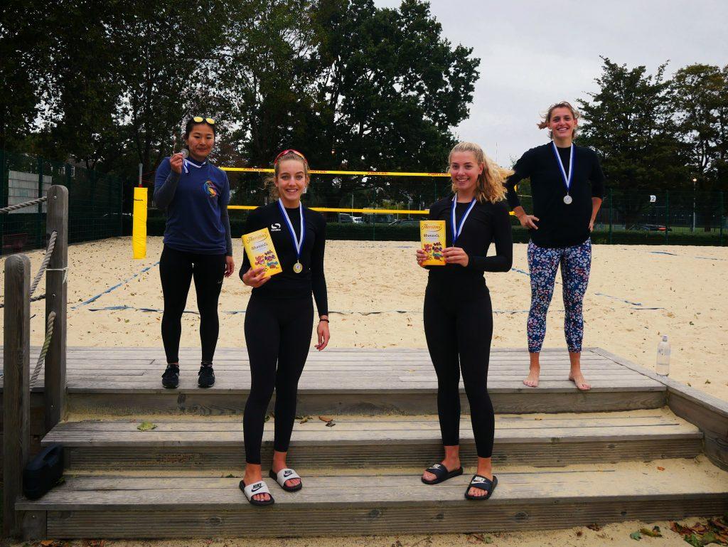 3* women's podium